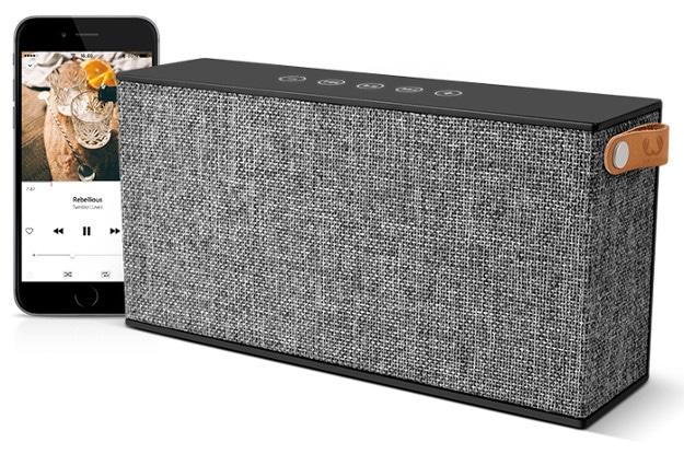 iPhone 6s + Bluetooth Speaker + Telekom Magenta Mobil S