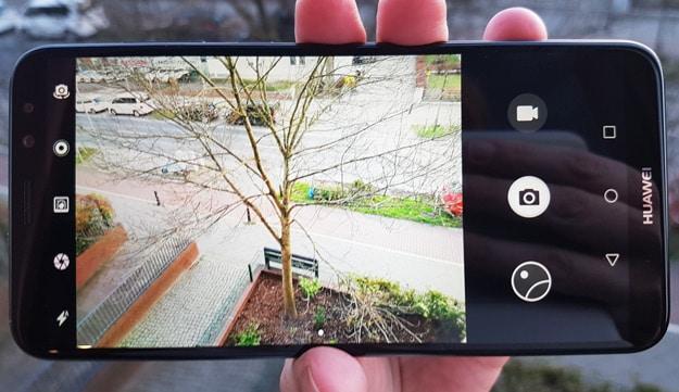 Dual-Kamera des Huawei Mate 10 Lite löst im Test schnell aus
