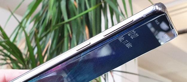 Samsung Galaxy S10 Display Test: Mit Infinity-O zum nahelos randlosen Bildschirm