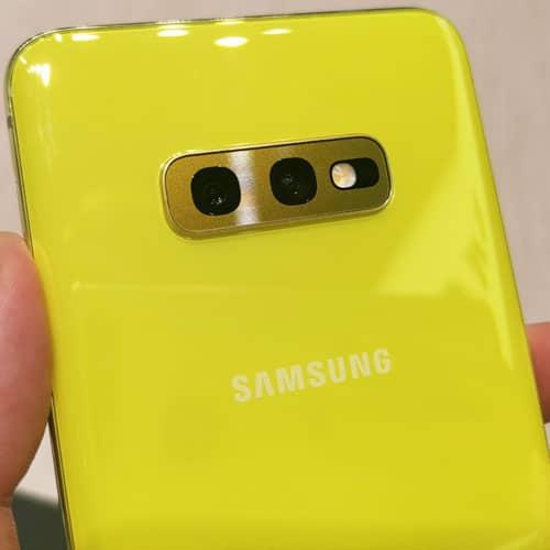 Samsung Galaxy S10e Test: Farbenfroh und kompakt, aber mit viel Power