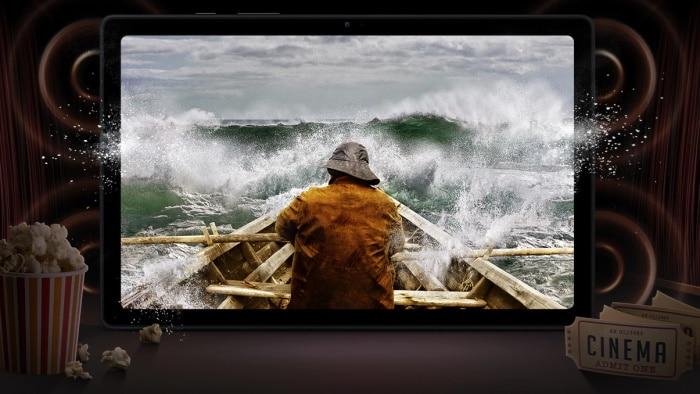 Samsung Galaxy Tab A7 mit Popcorn und Kinofilm
