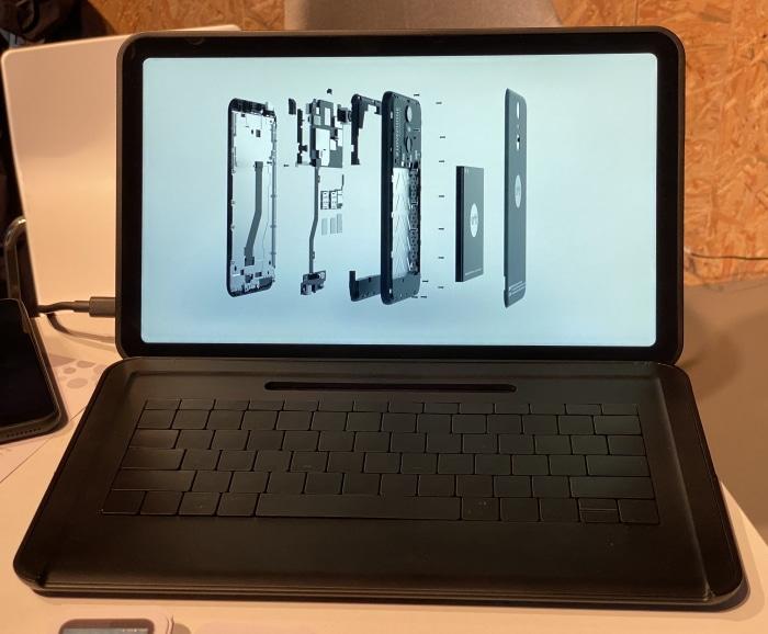 Das SHIFT 13mi hat das Touchpad in der Tastatur