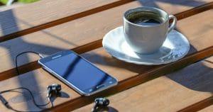 smartphone-und-kaffee